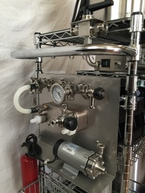 Brew cart pump, plate chiller and inline oxygenation